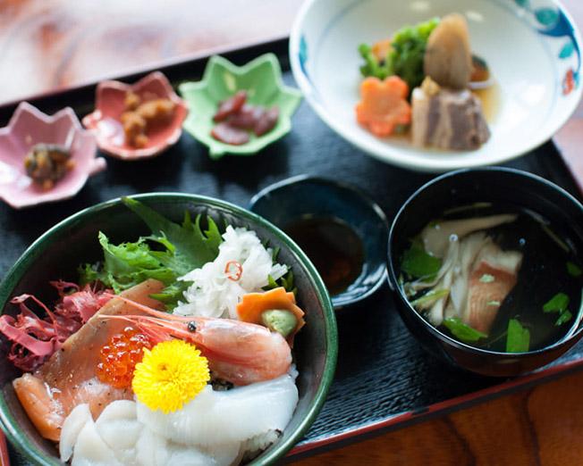 季節限定海鮮丼セット